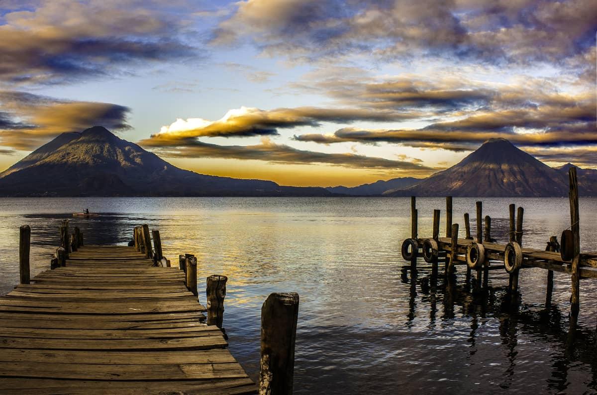 珈琲きゃろっと『グアテマラ ラ・クプラ農園』美しい湖 アティトラン湖