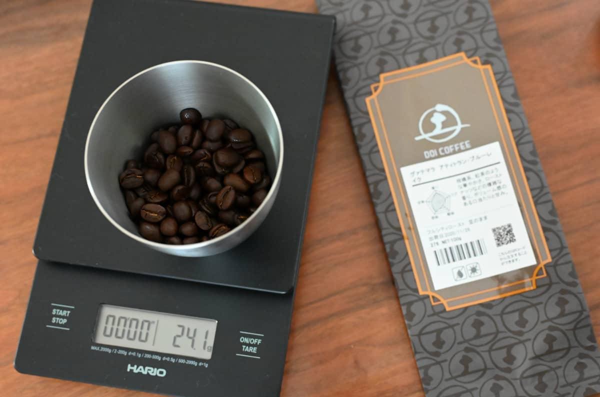 土居珈琲『グァテマラ アティトラン・ブルーレイク』コーヒー豆 ハリオ コーヒースケール 計量