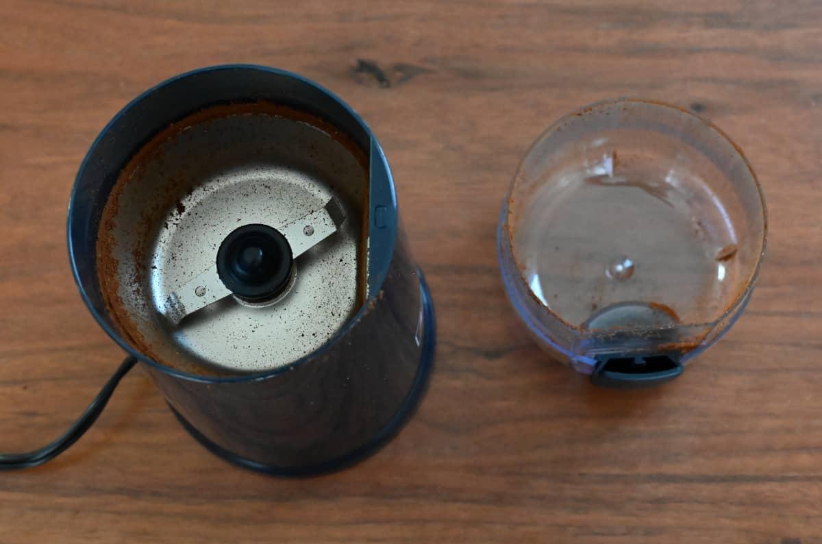 電動コーヒーミル メリタ バリエ・シンプル 使ってみた 挽き終わった後の状態