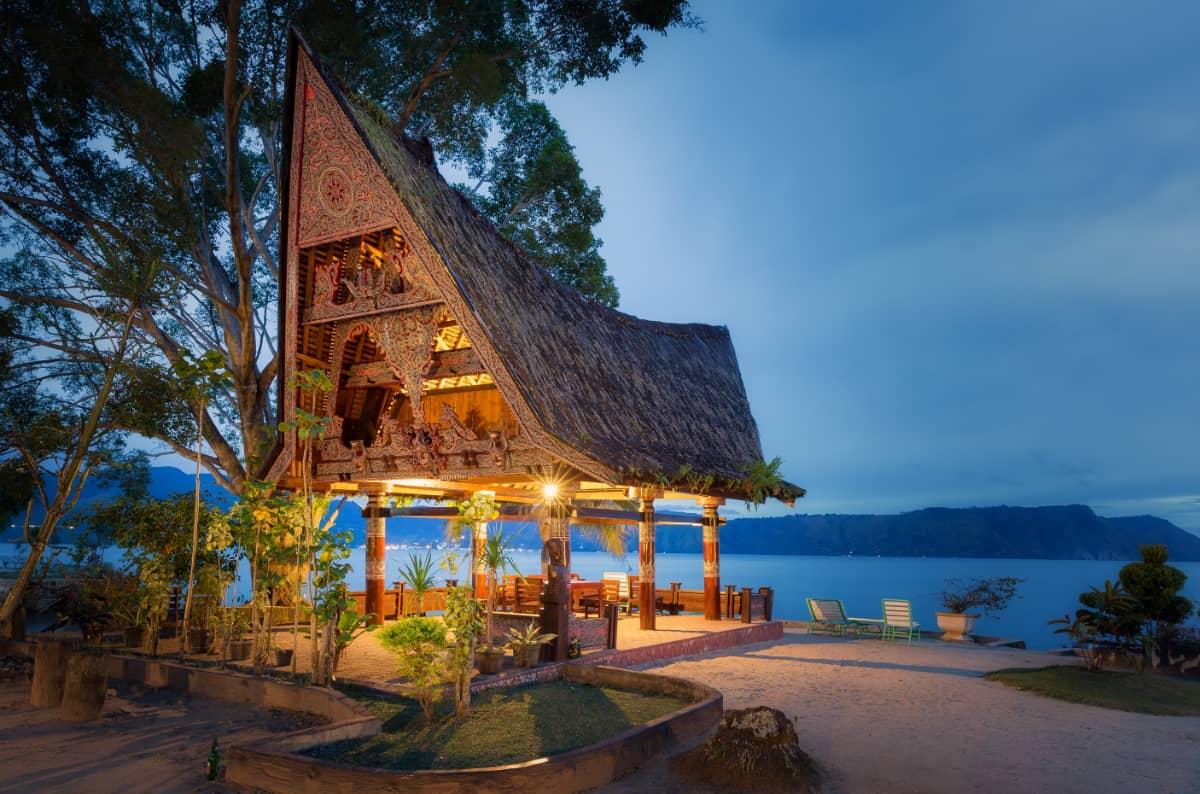 土居珈琲 インドネシア マンデリン・リントン スマトラ リントンニフタ トバ湖 バタク人