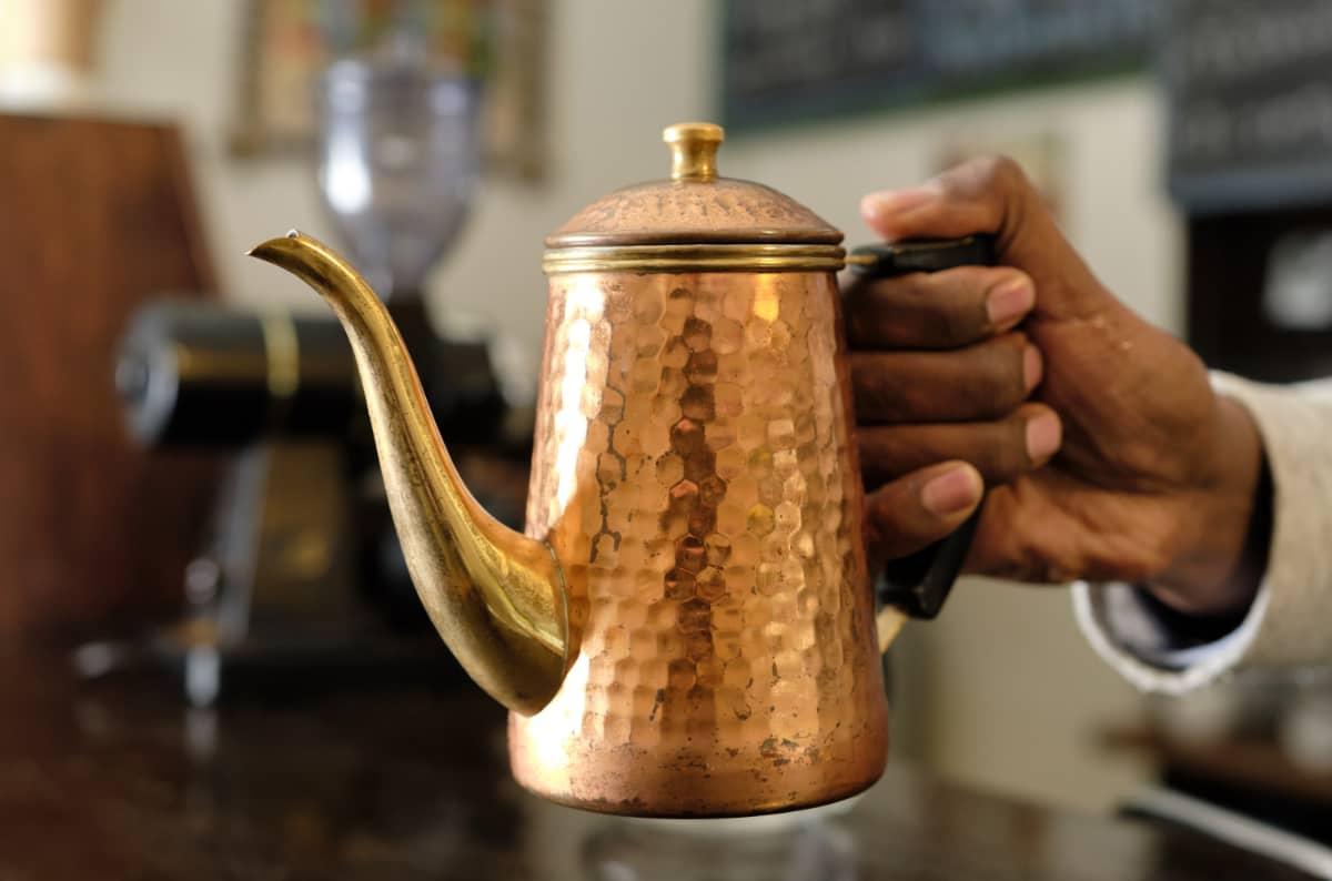 珈琲きゃろっと エチオピア グジ G1 チルフィート 中煎り アディスアベバ 首都 コーヒーショップ カリタ 銅ポット ドリップポット